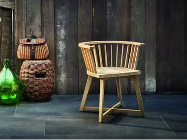 Oak garden chair with armrests INOUT 724