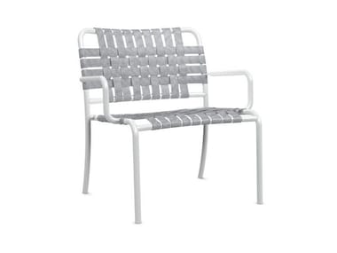 Stackable easy chair with armrests INOUT 826