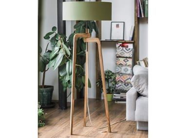 Direct-indirect light walnut floor lamp IRIS | Walnut floor lamp