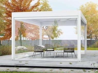 Freestanding aluminium pergola with sliding cover ISOLA 2 | Freestanding pergola