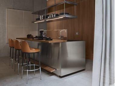 Stainless steel and wood kitchen with island ITALIA - MODUS DOORS SYSTEM