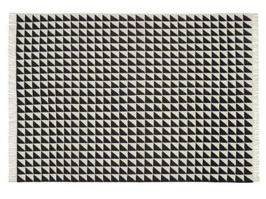 Rectangular rug with geometric shapes IZA