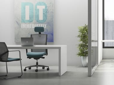 Task chair with 5-Spoke base with armrests JEX