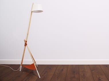 Direct light beech floor lamp KA LAMP M