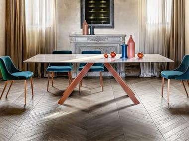 Tavolo da pranzo con base in metallo KI | Tavolo in marmo