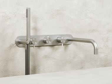 Miscelatore per vasca a muro in acciaio inox con doccetta KING | Miscelatore per vasca a muro