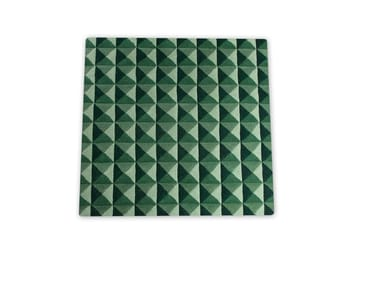 Handmade square wool rug with optical pattern KNURLED | Square rug