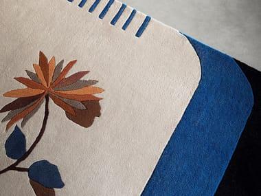 Rug with floral pattern KYU