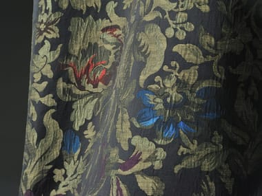 Linen fabric with floral pattern LA GHIRLANDATA
