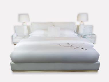 Cama king size de cuero con mesas de noche integradas LAMPO   Cama