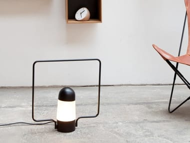 Lampe de table / lampadaire en métal LANTERNA C