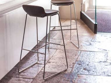 Sled base ABS stool with footrest LEO | Stool
