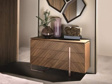 Walnut chest of drawers with integrated handles LEONARDO L314N/M | Chest of drawers