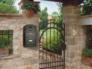 Outdoor die cast aluminium mailbox LETTERE