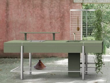 Freestanding module with steel and concrete shelves LIBERA