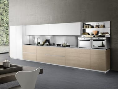 Lacquered linear kitchen with integrated handles LINEA 03