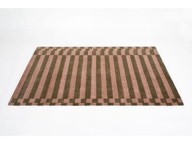 Rectangular striped rug LINEA