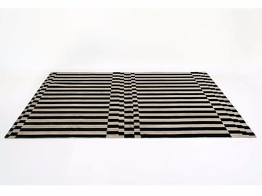 Rectangular striped rug LINEA