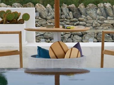 Base per ombrellone in cemento e legno di iroko LIPARI | Base per ombrellone