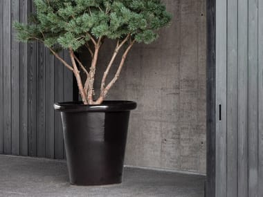 Vaso da giardino basso fatto a mano in terracotta LONDON