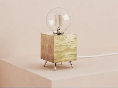 Handmade English oak table lamp LOOMACUBE T1 - OAK