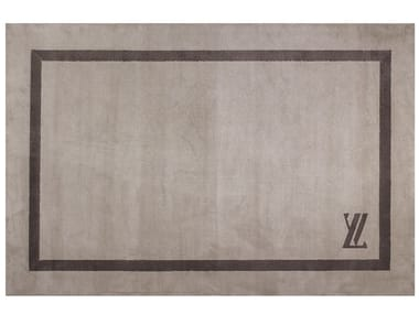 Solid-color rectangular fabric rug LV