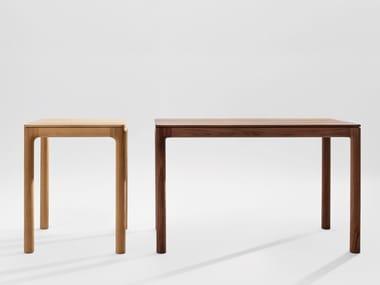 Table en bois massif M11