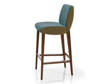 Cadeira de tecido com apoio de pés MAGEE   Cadeira