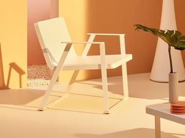 Garden aluminium easy chair with armrests MAKEMAKE | Aluminium easy chair