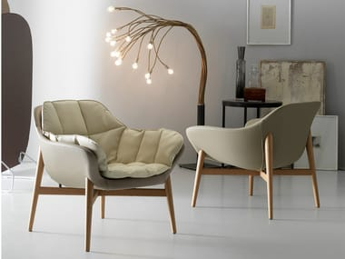 Leather lobby chair with armrests MANTA | Armchair with armrests