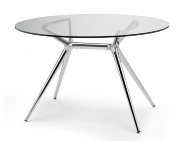 Lacquered round dining table METROPOLIS | Round table