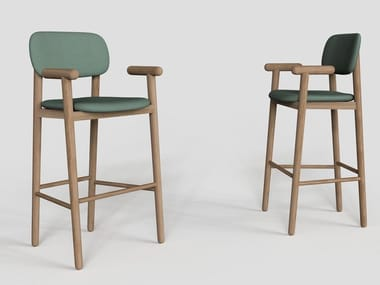 Wooden barstool with armrests MILD | Stool with armrests