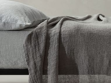 Solid-color linen bedspread MINA