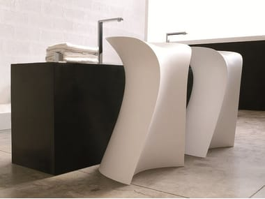 Freestanding washbasin MISS