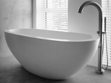 Freestanding oval bathtub MOLOKO | Bathtub