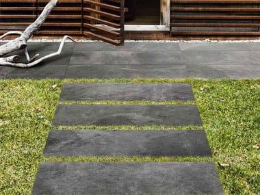 Pavimento per esterni in gres porcellanato effetto pietra MYSTONE ARDESIA20 | Antracite