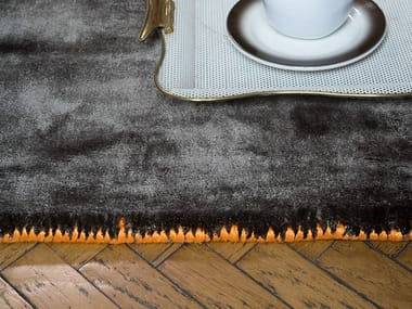 Handmade rectangular viscose rug NAIROBI BICOLOR