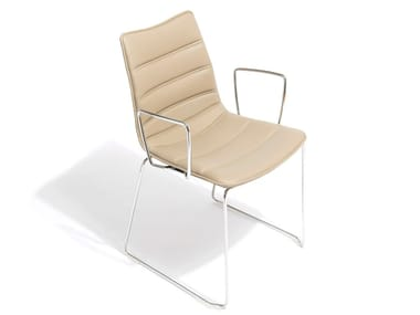Sled base leather chair with armrests NEBRASKA | Chair with armrests