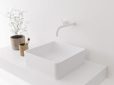 Countertop square Cristalplant® washbasin NEST | Square washbasin