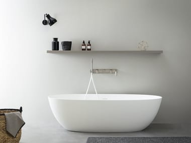Oval Korakril™ bathtub NEUTRA