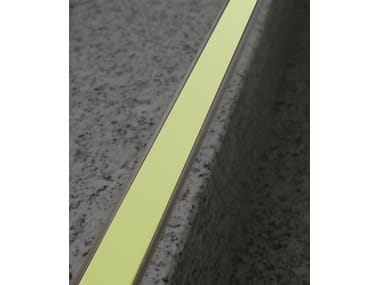 Profilo paragradino in alluminio NOVOPLETINA® LUMINA   Profilo paragradino in alluminio