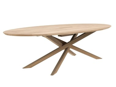 Oval oak meeting table with cable management OAK MIKADO | Meeting table