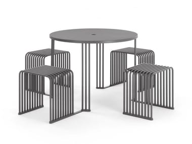 Round Table for public areas with integrated seats OCTOPUS.015