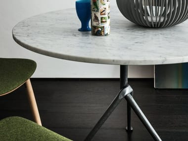 Round Carrara marble table OFFICINA | Carrara marble table