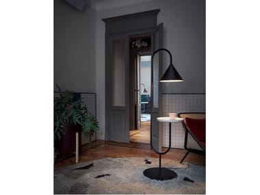 Direct light floor lamp with shelf OZZ