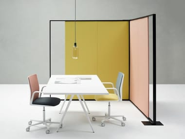 Fabric office screen PARENTESIT FREESTANDING