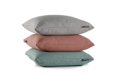 Trevira® CS cushion with removable cover PAW