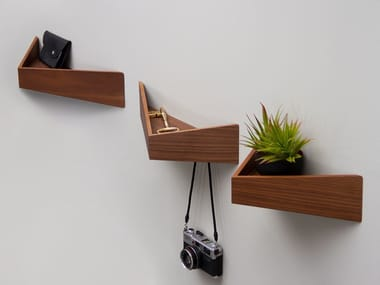 Perchero / estante de madera PELICAN SMALL I Wooden shelf with hooks