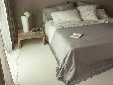 Embroidered linen bedding set PETALI | Bedding set