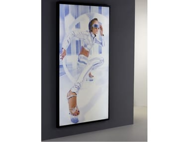 Wall-mounted one-sided aluminium display unit with light PH10 | Wall-mounted display unit